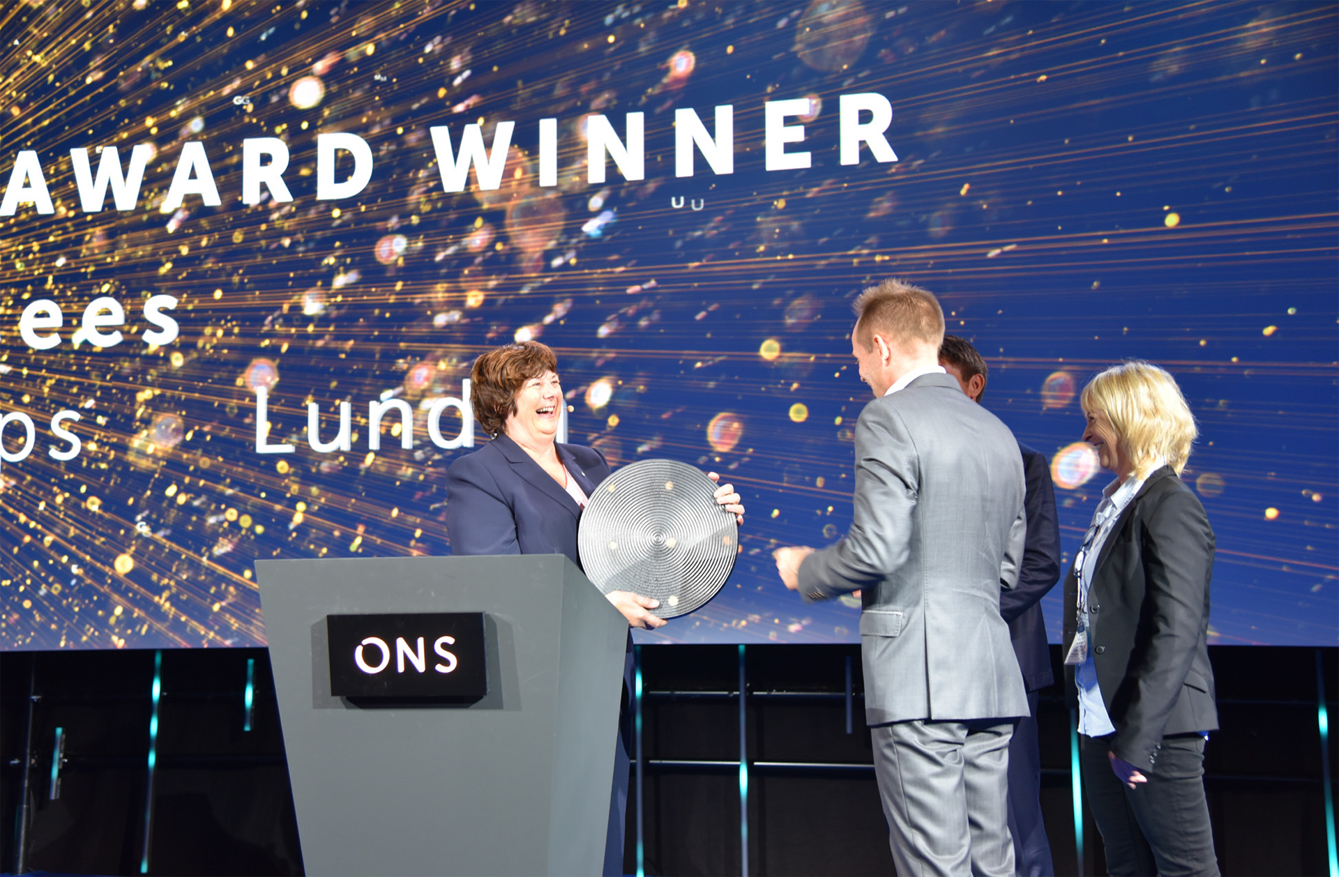The NPD's 15th IOR Prize was presented by director general Bente Nyland (left) during a ceremony at the ONS oil show in Stavanger this August.